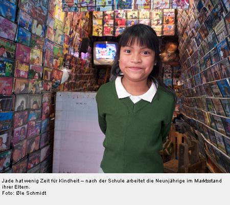 Jade hat wenig Zeit für Kindheit – nach der Schule arbeitet die Neunjährige im Marktsstand ihrer Eltern