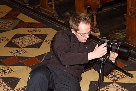 2. Kameramann Maik Grabosch mit vollen Einsatz für eine gute Einstellung. Foto: Christoph Schönbach
